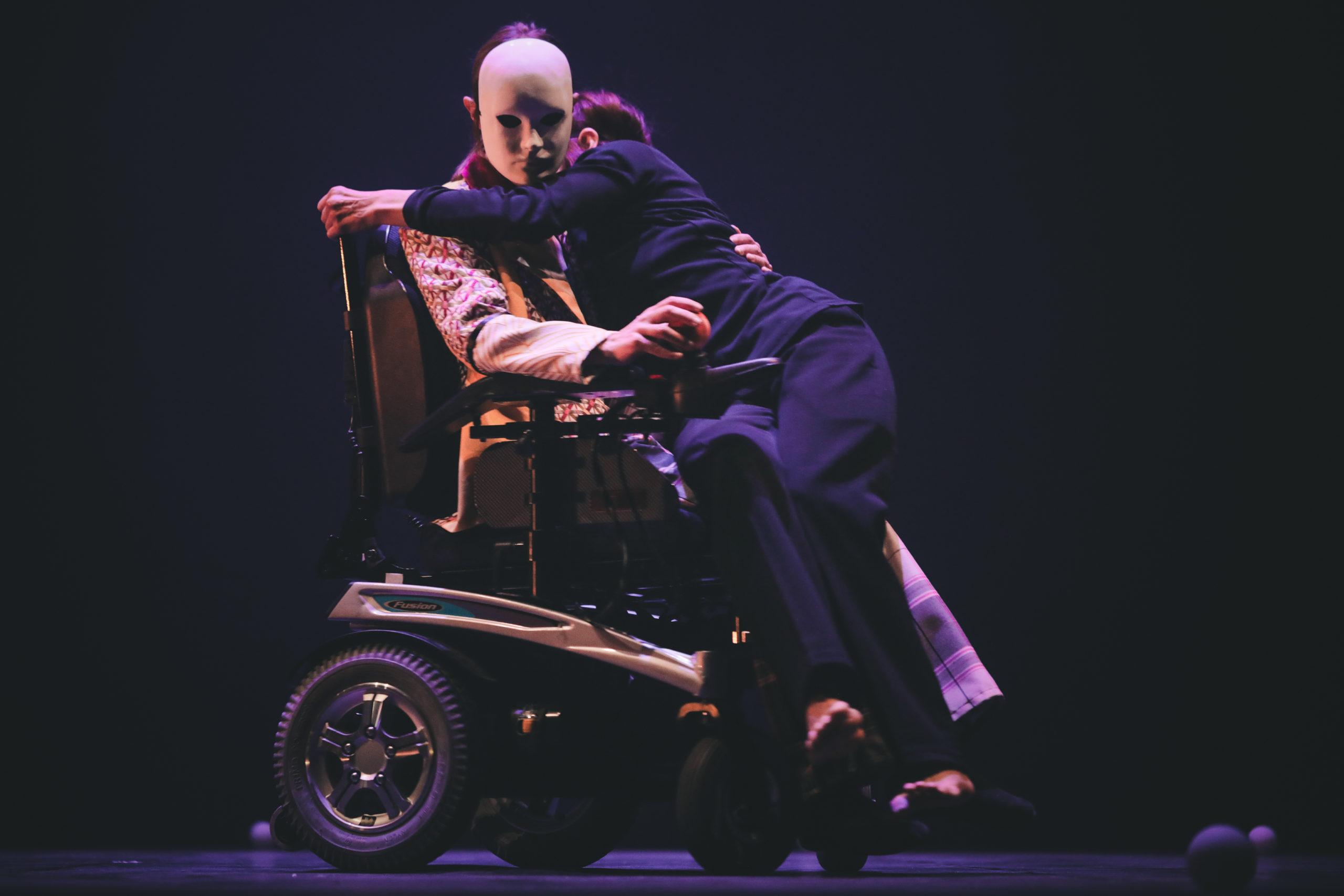 Duo danse inclusive Klaus compagnie